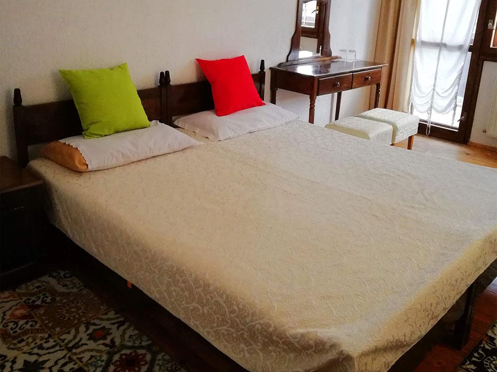 Уютна хотелска стая в къща за гости Млечен дом, село Смилян
